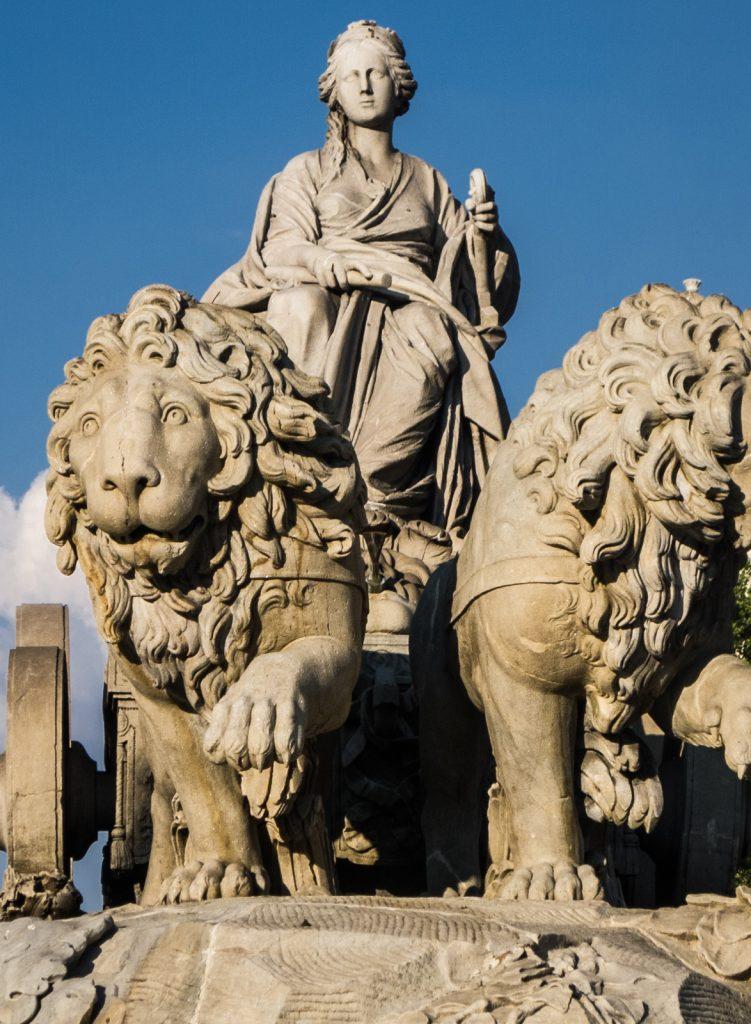 De godin Rhea/Cybele (fontein in Madrid)